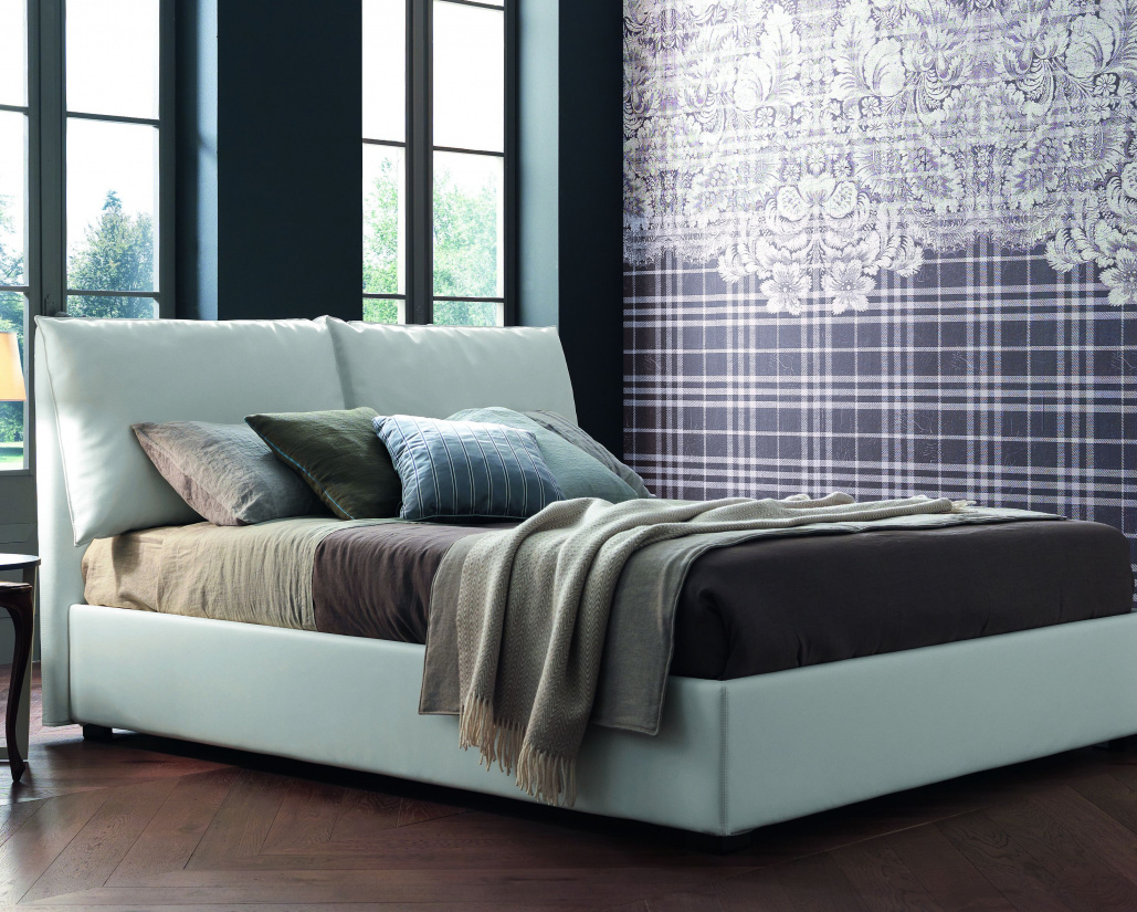 Naomi Leather Bed