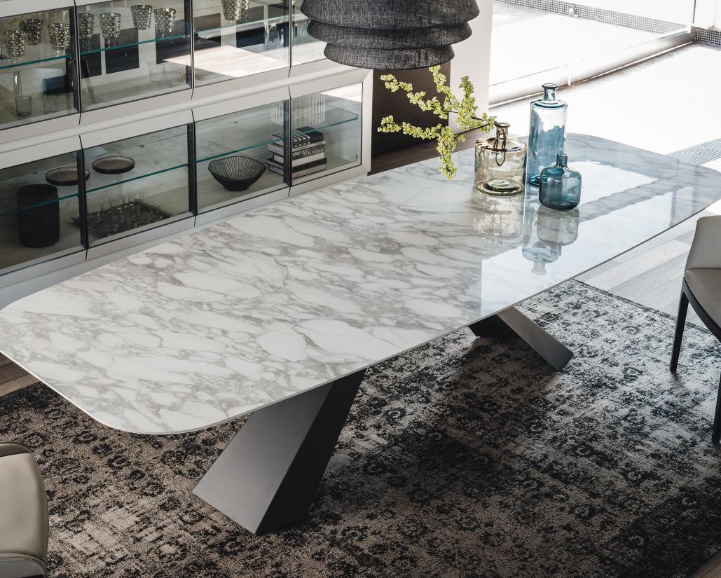 Edward Keramik Dining Table - Calacatta Top