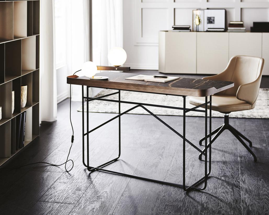Wolf Keramik Desk