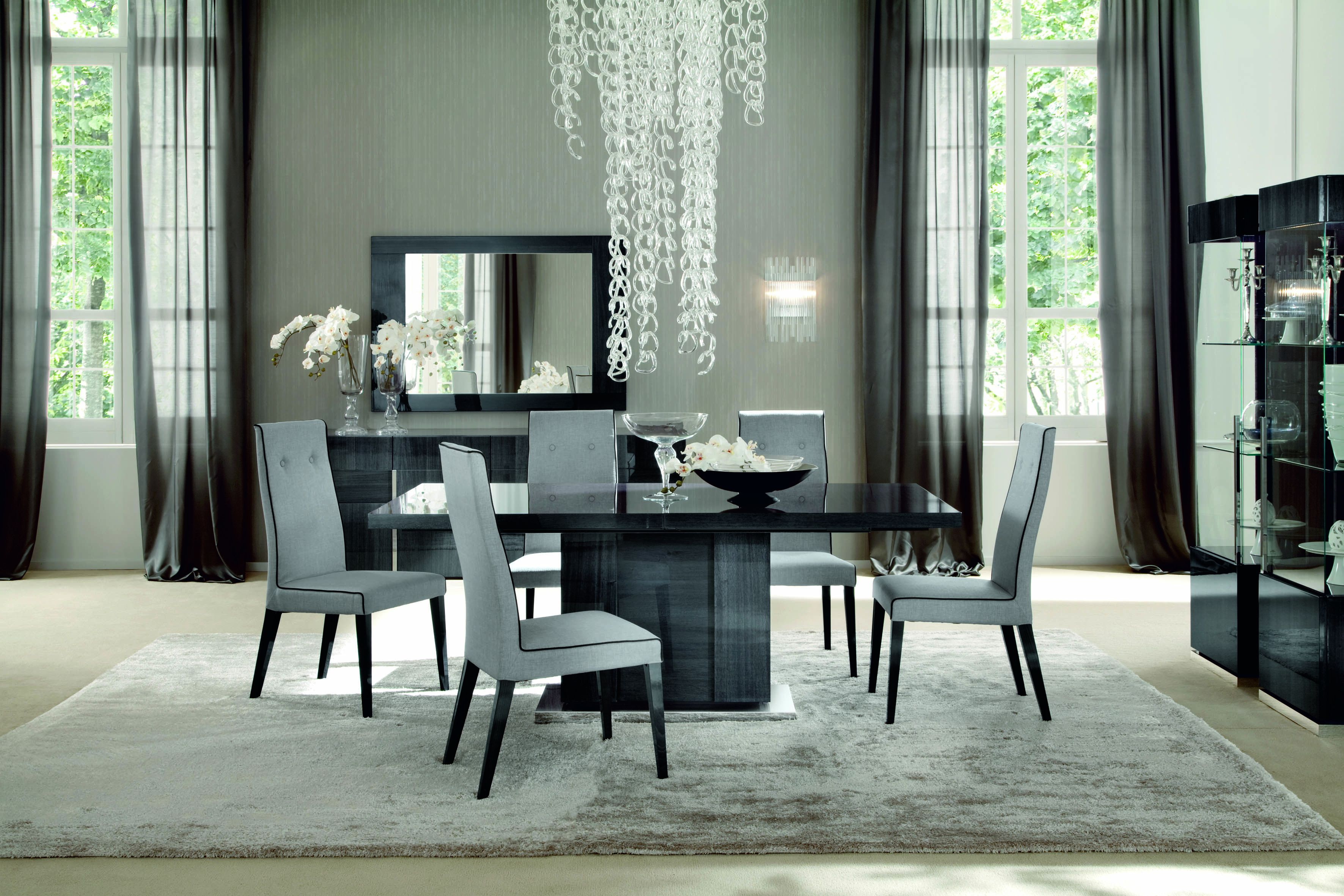 Montecarlo Dining Table and 4 Chairs