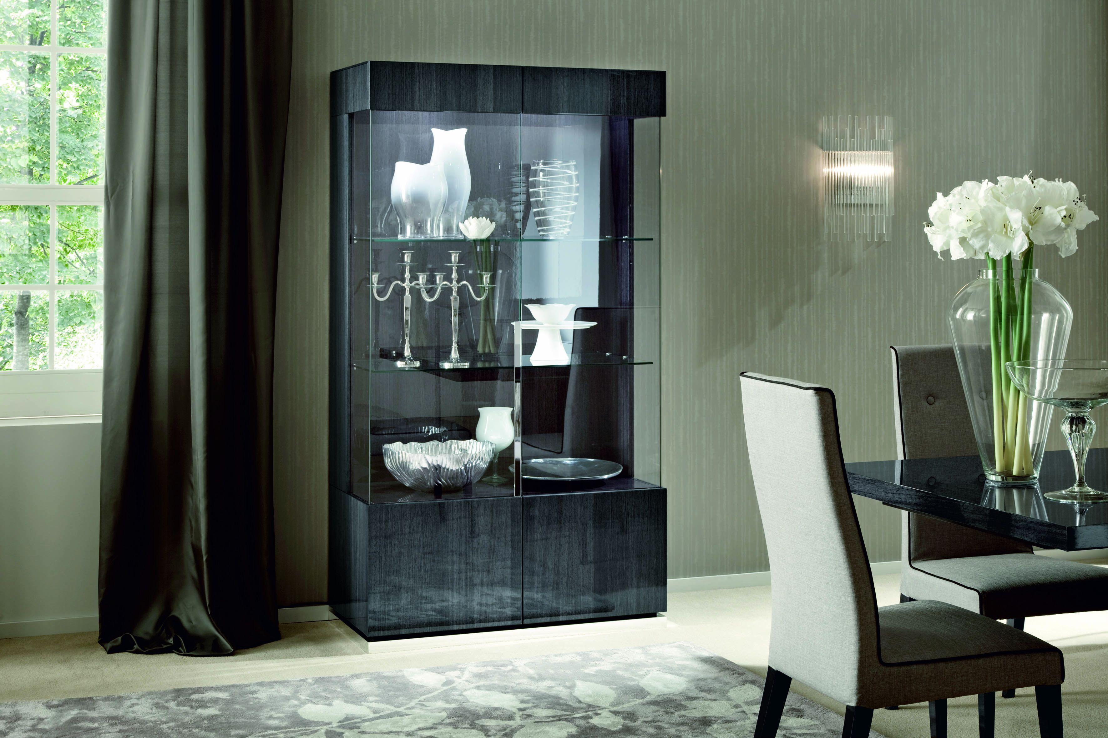 Montecarlo 2 Door Cabinet