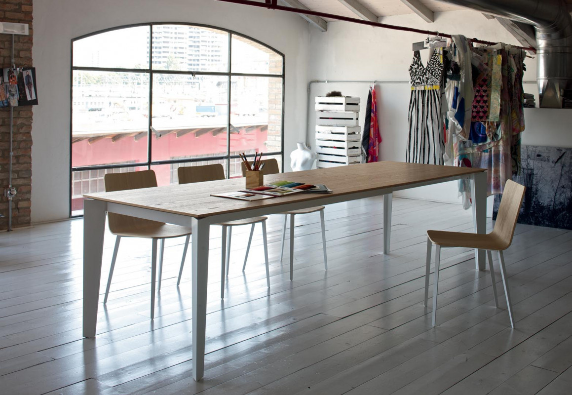 Casa Cruz Extending Table Wood