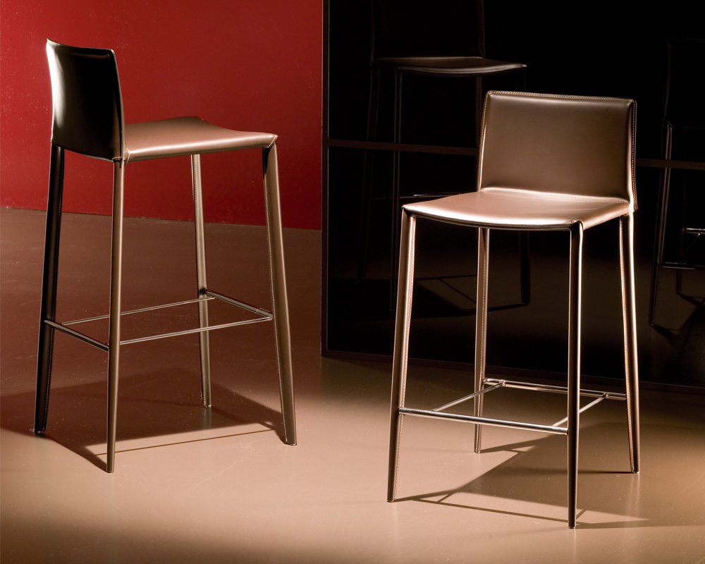 Linda Low / High Bar Stool