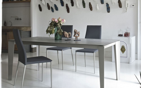 Cruz Table Uni Colour Stone