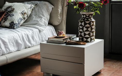 Dyno Leather Nightstand - Totora