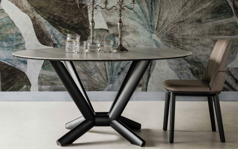 Planer Keramik Round Dining Table