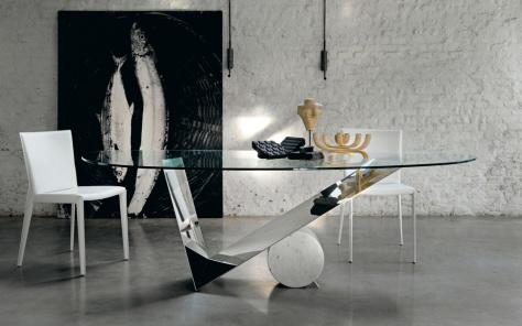 Valentinox Dining Table