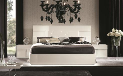 Canova Bed
