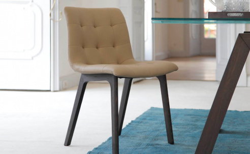 Kuga Dining Chair - Wood Legs