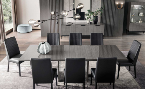 Nova Dining Table and 4 Pablo Chairs